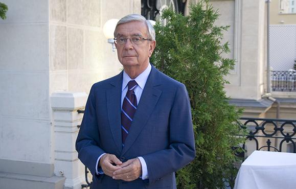 El Gobierno Vasco homenajea a Rafael Ansón en Vitoria
