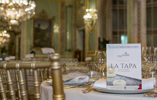 La Asociación de Amigos de la RAG celebra su XII Cena de Empresas Protectoras y elige el cóctel que representará a la ciudad de Madrid