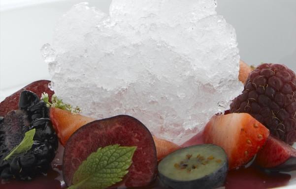 Sopa de frutas de la Vera con nieve de Moscatel